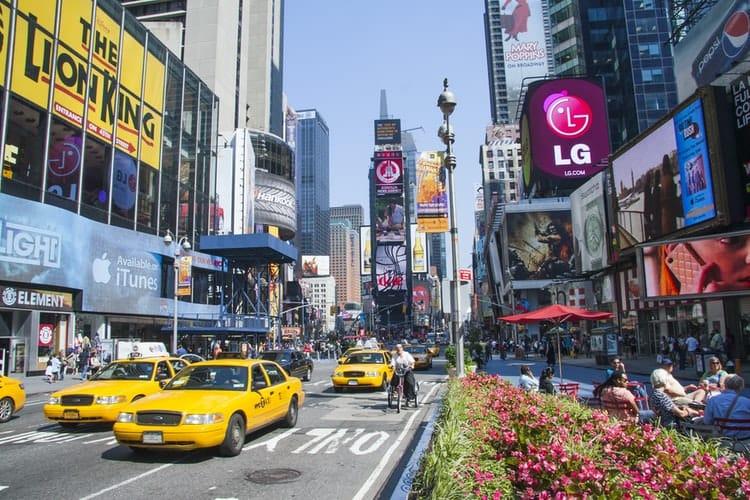 Ketahui 4 Kelebihan Outdoor Advertising Sebagai Sarana Promosi